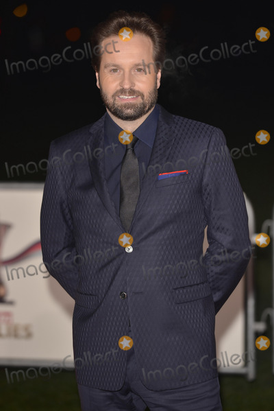 Alfie Boe Photo - LONDON ENGLAND - DECEMBER 11 Alfie Boe attends The Sun Military Awards at National Maritime Museum on December 11 2013 in LondonCredit Phil LoftusCapital Picturesface to face- Germany Austria Switzerland and USA rights only -