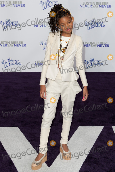 Willow Smith Photo - LOS ANGELES CA - FEB 8 Willow Smith arrives at the Paramount Pictures Justin Bieber Never Say Never premiere at Nokia Theater LA Live on February 8 2011 in Los Angeles California