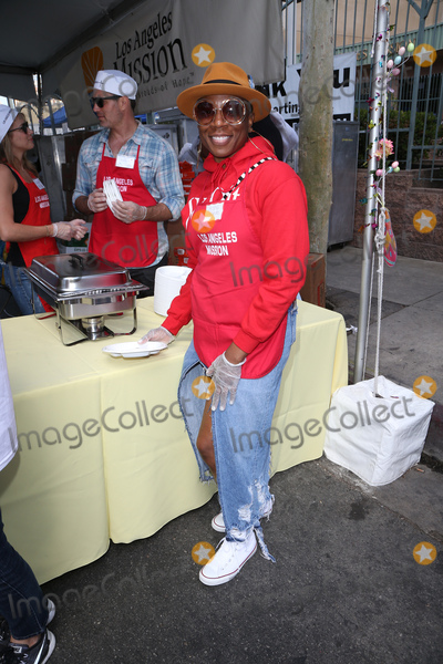Aisha Hinds Photo - 14 April 2017 - Los Angeles California - Aisha Hinds Los Angeles Missions Easter Celebration For The Homeless Photo Credit AdMedia
