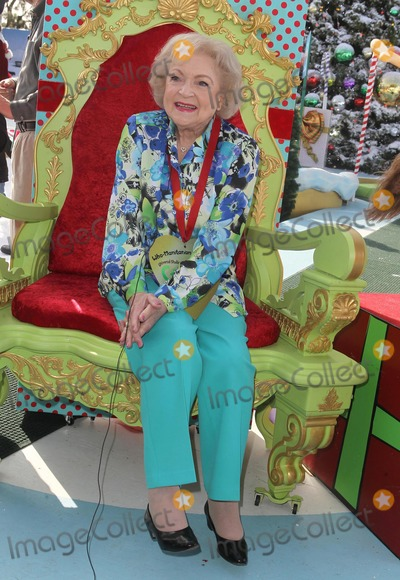 Betty White Photo - 6 December 2012 - Hollywood California - Betty White The Grinch and Max the Dog Present Celebrated Actor Author and Animal Activist Betty White with the Who-Manitarian of the Year Award Held at Universal Studios Photo Credit Kevan BrooksAdMedia