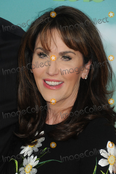 Robin McGraw Photo - 12 March 2016 - Inglewood California - Robin McGraw 2016 Nickelodeon Kids Choice Awards held at The Forum Photo Credit Byron PurvisAdMedia