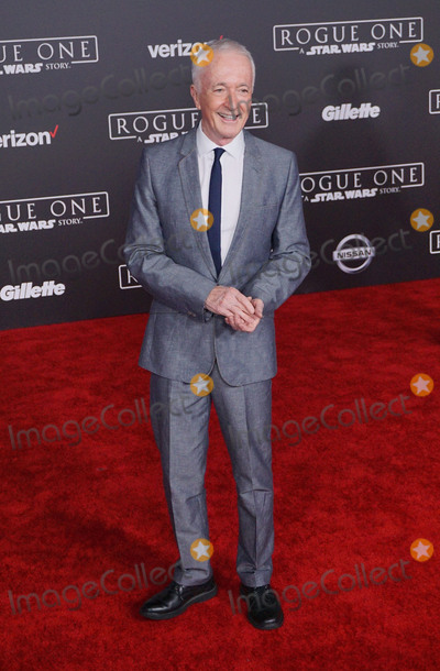 Anthony Daniels Photo - 10 December 2016 - Hollywood California - Anthony Daniels Rogue One A Star Wars Story World premiere held at Pantages Theater Photo Credit Birdie ThompsonAdMedia