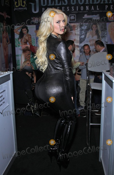 Anikka Albrite Photo - 22 January 2015 - Las Vegas NV -  Annika Albrite  Farrah Abraham makes her debut appearance at AVN Adult Entertainment Expo at The Hard Rock Hotel and CasinoPhoto Credit mjtAdMedia