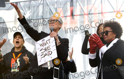 Jamie Lee Curtis Photo - 21 January 2017 - Los Angeles California - Jaimie Lee Curtis Womens March in Los Angeles California Photo Credit F SadouAdMedia