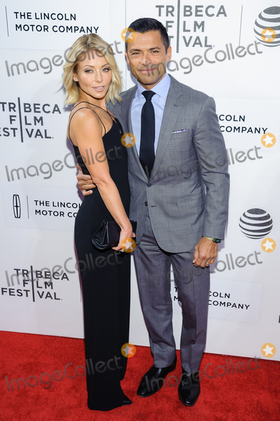 Kelly Ripa Photo - 15 April 2016 - New York New York- Kelly Ripa Mark Consuelos All We Had screening at Tribeca Film Festival 2016 Photo Credit Mario SantoroAdMedia