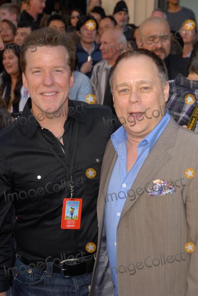 Jeff Dunham Photo - Jeff Dunham and Kelly Asburyat the Gnomeo  Juliet Los Angeles Premiere El Capitan Hollywood CA 01-23-11