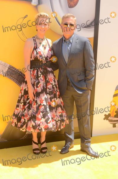 Steve Carell Photo - Kristen Wiig Steve Carellat the Despicable Me 3 Premiere Shrine Auditorium Los Angeles CA 06-24-17