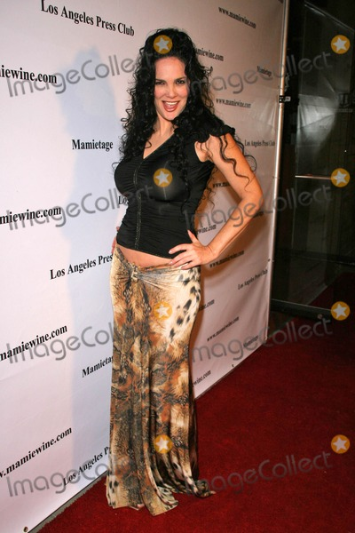 Julie Strain Photo - Julie Strainat the Launch of Mamitage Wine Collection Eleven West Hollywood CA 11-14-07