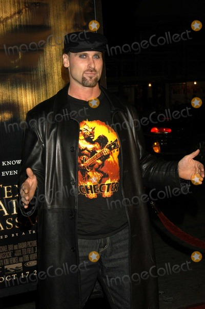 Andrew Bryniarski Photo - Andrew Bryniarski Leatherface at World Premiere of The Texas Chainsaw Massacre Manns Chinese Theatre Hollywood Calif 10-15-03
