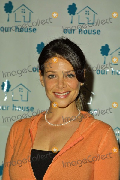 Meredith Salenger Photo - Meredith Salenger At the 2004 Our House House Of Hope Awards Gala Beverly Hills Hotel Beverly Hills CA 10-14-04