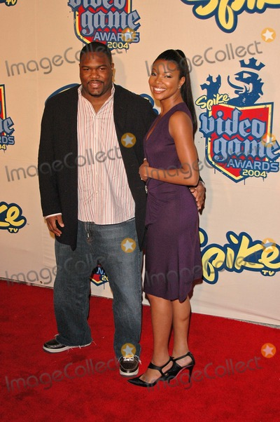 Gabrielle Union Photo - Chris Howard and Gabrielle Union at the Spike TV Video Game Awards 2004 Barker Hanger Santa Monica CA 12-14-04