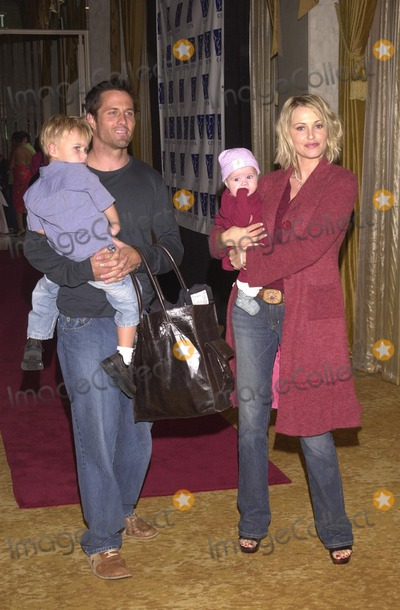 Josie Bissett Photo - Rob Estes Josie Bissett and children at the Lullabies and Luxuries Fashion Show to benefit Caring for Children and Families with AIDS Regent Beverly Wilshire Beverly Hills CA 10-13-02