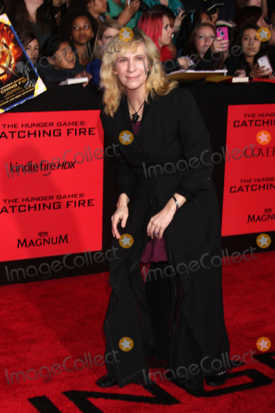 Amanda Plummer Photo - Amanda Plummerat The Hunger Games Catching Fire Los Angeles Premiere Nokia Theatre LA Live Los Angeles CA 11-18-13