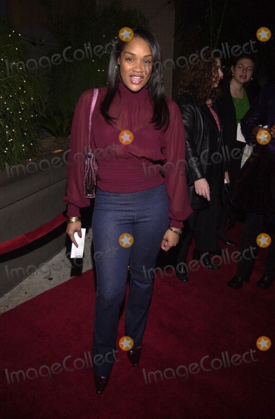 Arnelle Simpson Photo -  Arnelle Simpson at the Geneva Vs The Grinch holiday celebration by Geneva Films Reign Nightclub 12-18-00
