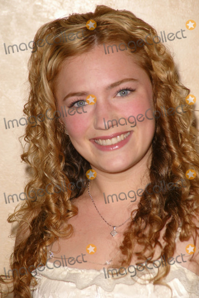 April Mullen Photo - April Mullenat the 26th Annual Young Artist Awards Sportsmans Lodge Studio City CA 04-30-05