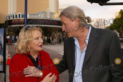 Gena Rowlands Photo - Gena Rowlands and Nick Cassavetes at the premiere of New Line Cinemas The Notebook at Mann Village Theater Westwood CA 06-21-04