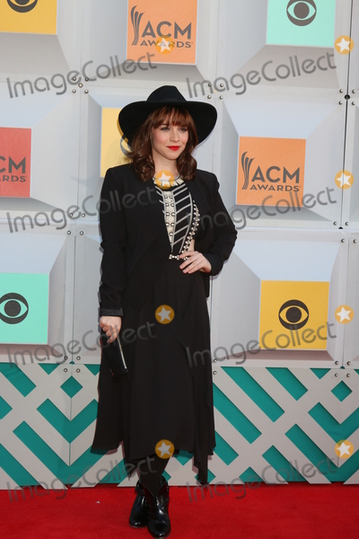Renee-Felice Smith Photo - Renee Felice Smithat the 2016 Academy of Country Music Awards Arrivals MGM Grand Garden Arena Las Vegas NV 04-03-16