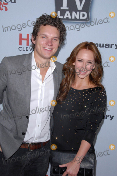 Kennedy Photo - Jamie Kennedy Jennifer Love Hewittat the Hot In ClevelandRetired at 35 Premiere Party Sunset Tower West Hollywood CA 01-10-11