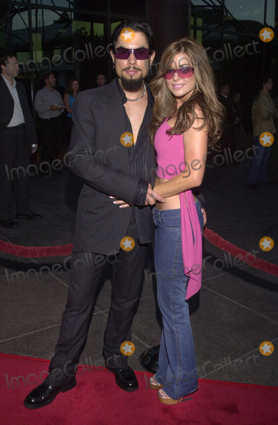 Dave Navarro Photo -  DAVE NAVARRO and CARMEN ELECTRA at the premiere of Dimension Films The Others at the Directors Guild of America Hollywood 08-07-01