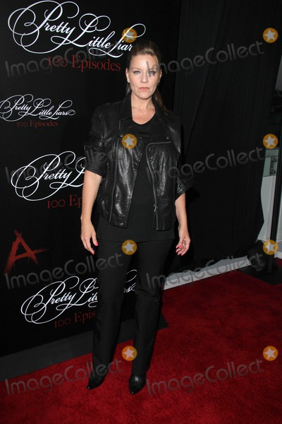 Andrea Parker Photo - Zoey DeutchLOS ANGELES - MAY 31  Andrea Parker at the Pretty Little Liars 100th Episode Celebration at W Hollywood on May 31 2014 in Los Angeles CA
