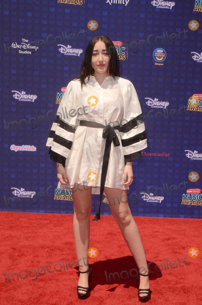 Noah Cyrus Photo - LOS ANGELES - APR 29  Noah Cyrus at the 2017 Radio Disney Music Awards at the Microsoft Theater on April 29 2017 in Los Angeles CA