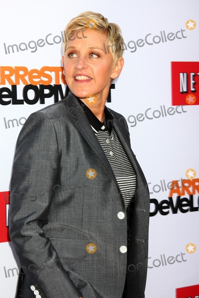 Ellen De Generes Photo - LOS ANGELES - APR 29  Ellen DeGeneres arrives at the Arrested Development Los Angeles Premiere at the Chinese Theater on April 29 2013 in Los Angeles CA
