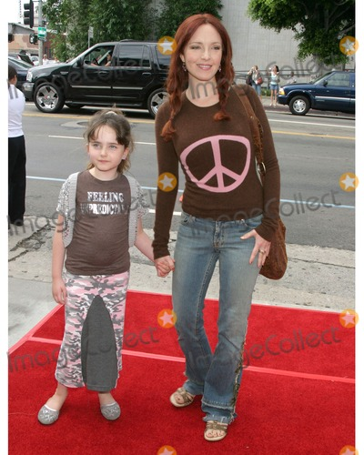 Stella Ritter Photo - Amy Yasbeck  Stella RitterBarnyard PremiereArcLight TheatersLos Angeles CAJuly 30 2006