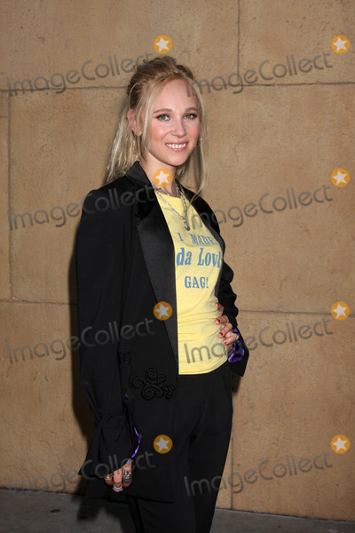 Juno Temple Photo - LOS ANGELES - AUG 5  Juno Temple arrives at the Lovelace LA Premiere at the Egyptian Theater on August 5 2013 in Los Angeles CA