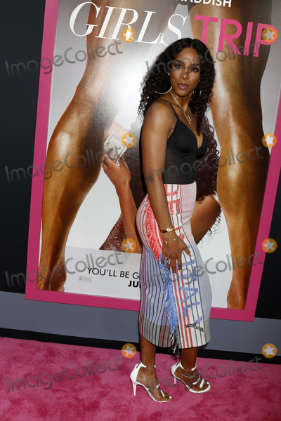 Kelly Rowland Photo - LOS ANGELES - JUL 13  Kelly Rowland at the Girls Trip Premiere at the Regal Cinemas on July 13 2017 in Los Angeles CA