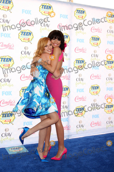 Bella Thorne Photo - LOS ANGELES - AUG 10 Bella Thorne Zendaya at the 2014 Teen Choice Awards at Shrine Auditorium on August 10 2014 in Los Angeles CA