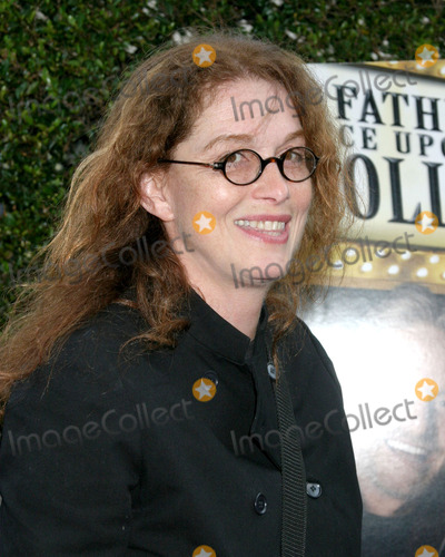Melanie Mayron Photo - Melanie MayronA Father   A Son  Once Upon a Time in HollywoodAcademy of Motion Picture Arts and SciencesLos Angeles CAJuly 14 2005