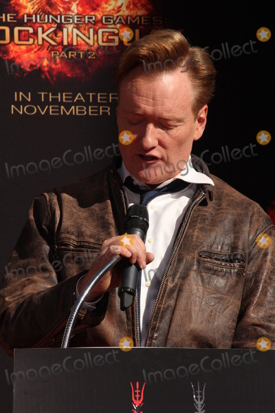 Conan OBrien Photo - LOS ANGELES - OCT 31  Conan OBrien at the Hunger Games Handprint and Footprint Ceremony at the TCL Chinese Theater on October 31 2015 in Los Angeles CA