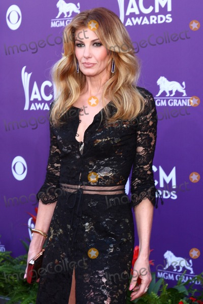 Faith Hill Photo - LAS VEGAS - MAR 7  Faith Hill arrives at the 2013 Academy of Country Music Awards at the MGM Grand Garden Arena on March 7 2013 in Las Vegas NV