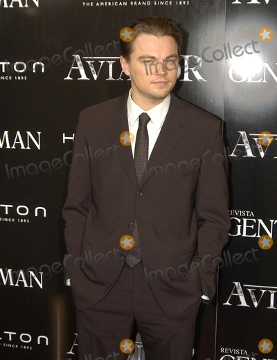 Leo DiCaprio Photo - Madrid Spain 1-10-2005Leo DiCaprio at the premiere of  The AviatorDigital Photo by Edu Nividhia-PHOTOlinkorg