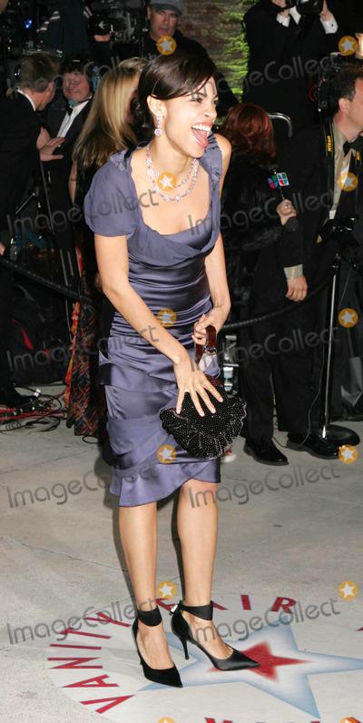 Rosario Dawson Photo - Photo by REWestcomstarmaxinccom200522705Rosario Dawson at the Vanity Fair Oscar Party(Los Angeles CA)
