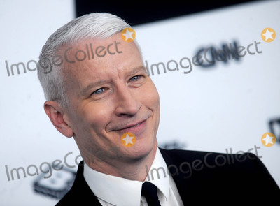 Anderson Cooper Photo - Photo by Dennis Van TinestarmaxinccomSTAR MAX2017ALL RIGHTS RESERVEDTelephoneFax (212) 995-119651717Anderson Cooper at the 2017 Turner Upfront in New York City