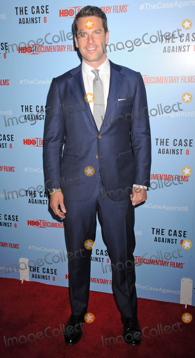 Thomas Roberts Photo - Photo by Demis MaryannakisstarmaxinccomSTAR MAX2014ALL RIGHTS RESERVEDTelephoneFax (212) 995-119652814Thomas Roberts at the premiere of The Case Against 8(NYC)