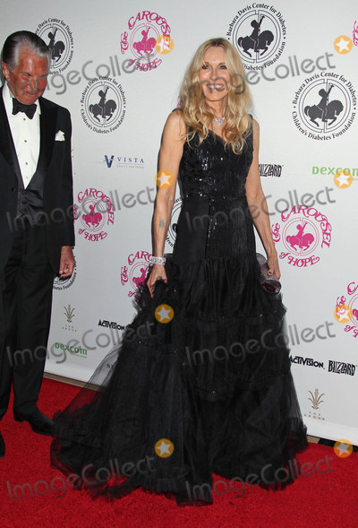 Alana Stewart Photo - Photo by REWestcomstarmaxinccomSTAR MAX2016ALL RIGHTS RESERVEDTelephoneFax (212) 995-119610816George Hamilton and Alana Stewart at The 2016 Carousel of Hope Ball(Los Angeles CA)