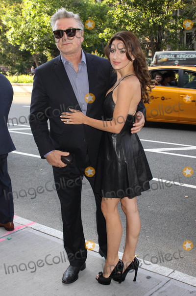 Alec Baldwin Photo - Photo by Victor MalafrontestarmaxinccomSTAR MAX2017ALL RIGHTS RESERVEDTelephoneFax (212) 995-119662617Alec Baldwin and Hilaria Baldwin are seen in New York City