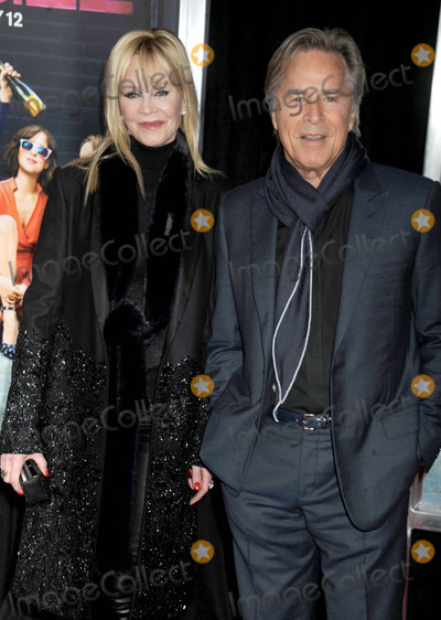Melanie Griffith Photo - Photo by Dennis Van TinestarmaxinccomSTAR MAX2016ALL RIGHTS RESERVEDTelephoneFax (212) 995-11962316Melanie Griffith and Don Johnson at the premiere of How To Be Single(NYC)