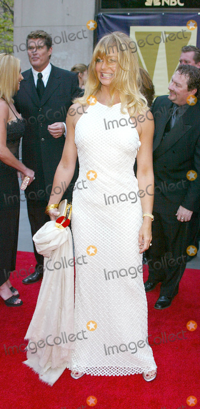 Goldie Hawn Photo - Photo by Stephen TruppSTAR MAX Inc - copyright 20025502Goldie Hawn at NBCs 75th Anniversary(Rockefeller Center NYC)