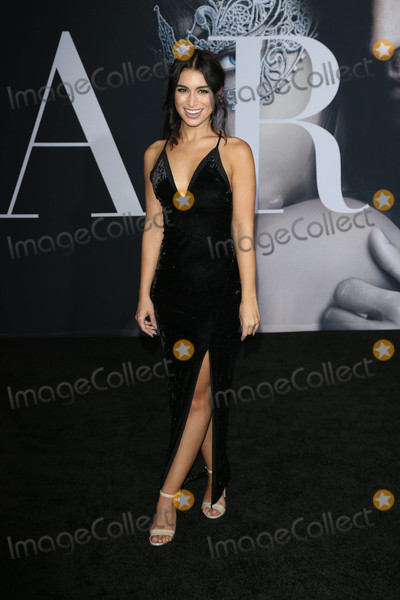 Ashley Iaconetti Photo - Photo by gotpapstarmaxinccomSTAR MAX2017ALL RIGHTS RESERVEDTelephoneFax (212) 995-11962217Ashley Iaconetti at the premiere of Fifty Shades Darker(Los Angeles CA)