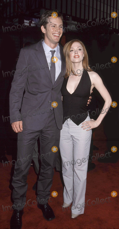 Kip Pardue Photo - Photo By Russ Einhorn 4_16_01Copyright Star Max 2001Driven film premiereMann Chinese TheaterHollywood_CaliforniaKip Pardue and girlfriend Rose McGowan
