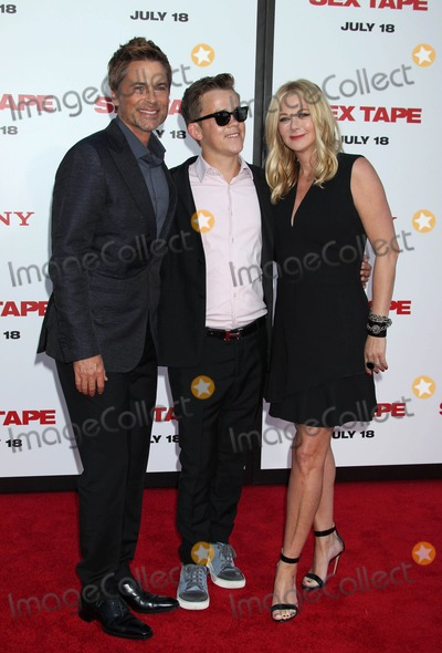 Sheryl Berkoff Photo - Photo by REWestcomstarmaxinccomSTAR MAX2014ALL RIGHTS RESERVEDTelephoneFax (212) 995-119671014Rob Lowe his son John Owen Lowe and his wife Sheryl Berkoff at the premiere of Sex Tape(Westwood CA)