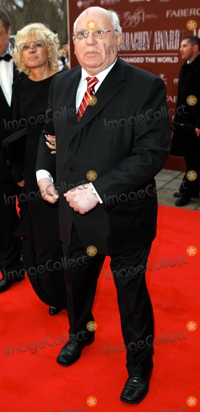 Mikhail Gorbachev Photo - Mikhail Gorbachev at Mikhail Gorbachevs 80th Birthday Celebration held at Royal Albert Hall London UK 33011