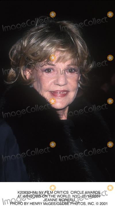 Jeanne Moreau Photo - NY Film Critics Circle Awards at Windows on the World NYC 01142001 Jeanne Moreau Photo by Henry McgeeGlobe Photos Inc