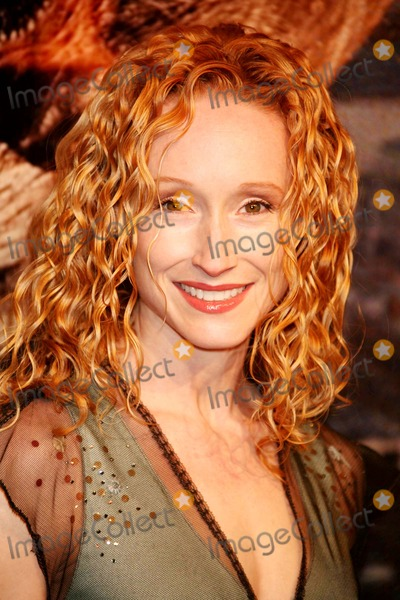 Angela Christian Photo - Angela Christian Arriving at the Premiere of King Kong at Loews E-walk in New York City on 11-05-2005 Photo by Henry McgeeGlobe Photos Inc
