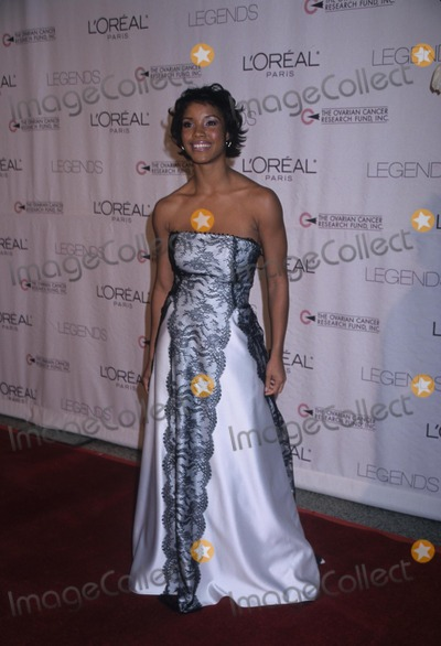 Anne Moore Photo - Shauntay Hinton 2002 Ocrp Legends Awards Honored Donna Karan and Ann Moore - Hammerstein 2002 K27597hmc Photo by Henry Mcgee-Globe Photos Inc