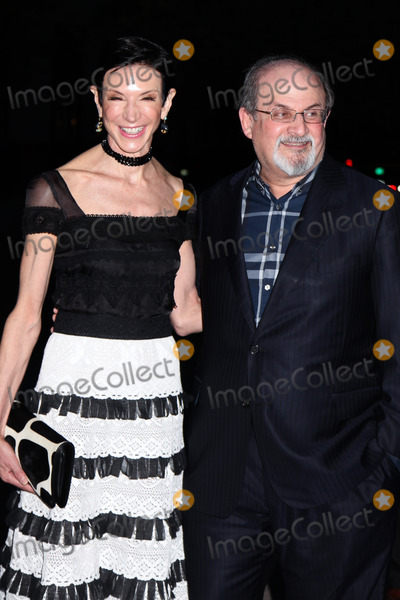 Salman Rushdie Photo - NEW YORK - APRIL 17 Amy Fine Collins and Salman Rushdie  attend the Vanity Fair Party during the Tribeca Film Festival April 17 2012 in New York