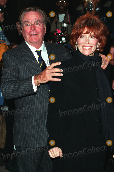 Jill st john picture robert wagner and wife jill st john at liza